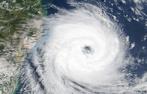 Cientistas americanos, especializados em análise e previsão de fenômenos severos afirmam que o ciclone extratropical Catarina, que atingiu a Região Sul do país era de fato um furacão categoria 1, na escala Saffir-Simpson, que mede a intensidade dos ventos dos furacões. Isso faz de Catarina o primeiro furacão extratropical conhecido e também o primeiro a atingir o Brasil. Nota: O Catarina atingiu a região sul do país no dia 28 de março de 2004. <br /><br /> Palavras-chave: furacão, ciclone extratropical, impactos, meteorologia, rara formação.